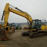 Excavator pe senile New Holland E215 C